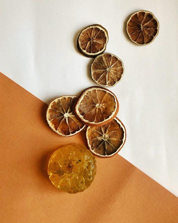 Натуральне мило ручної роботи з апельсиновим маслом та вітамінами А та Е